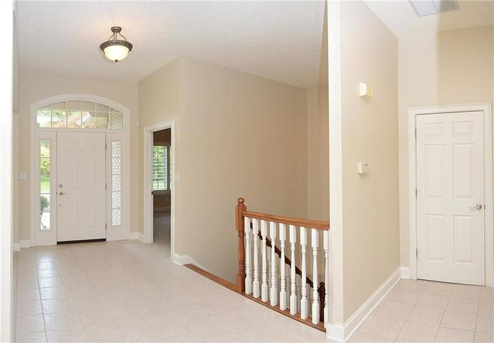 8951 Summer Estate Drive Indianapolis, IN 46256 | MLS 21665770 | photo 6