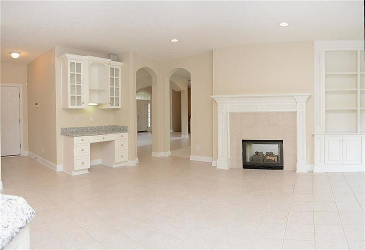 8951 Summer Estate Drive Indianapolis, IN 46256 | MLS 21665770 | photo 8
