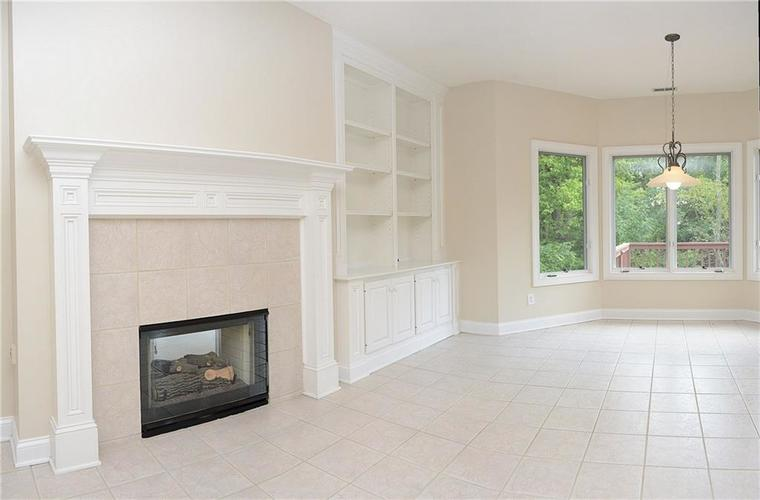 8951 Summer Estate Drive Indianapolis, IN 46256 | MLS 21665770 | photo 9