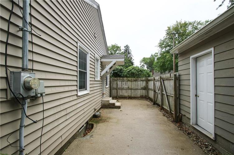 2401 E Northgate Street Indianapolis, IN 46220 | MLS 21665788 | photo 20