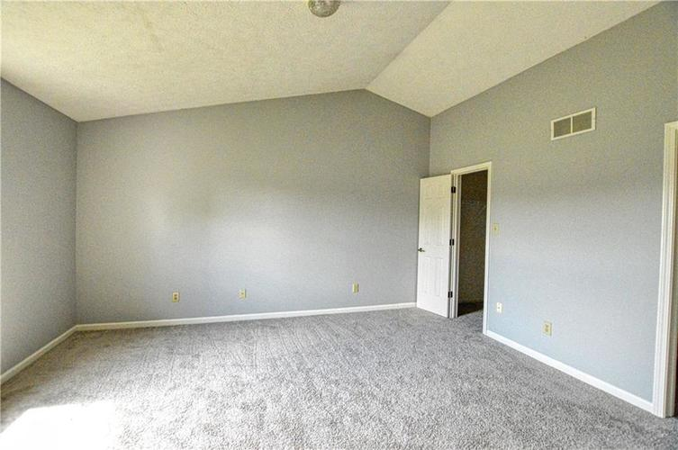 5937 Southern Springs Avenue Indianapolis, IN 46237   MLS 21665871   photo 10
