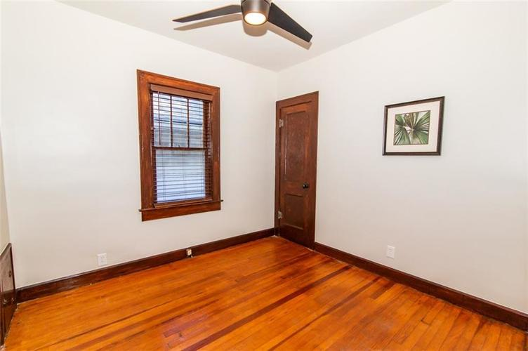 4909 E 11th Street Indianapolis, IN 46201 | MLS 21665912 | photo 21