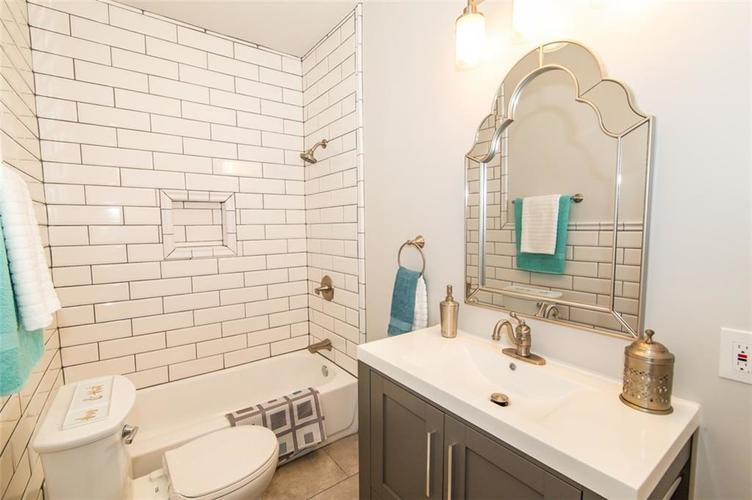 4909 E 11th Street Indianapolis, IN 46201 | MLS 21665912 | photo 22