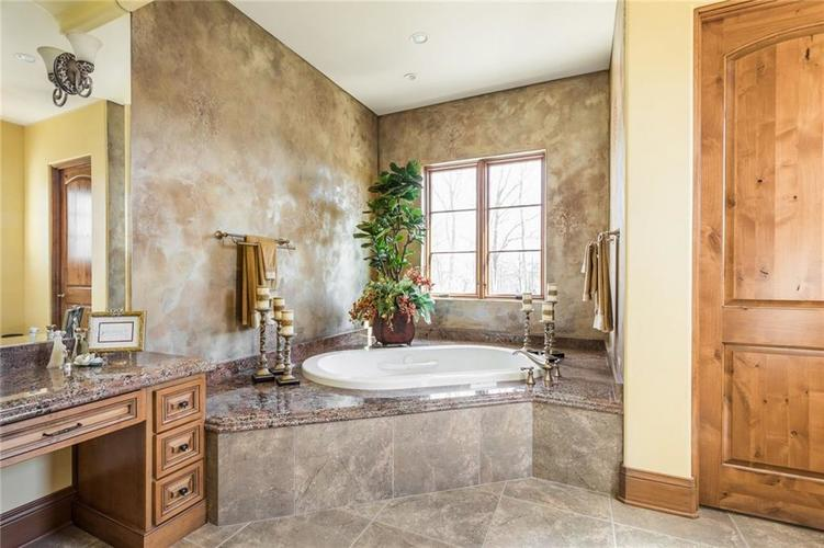 15395 Whistling Lane Carmel, IN 46033 | MLS 21665930 | photo 25
