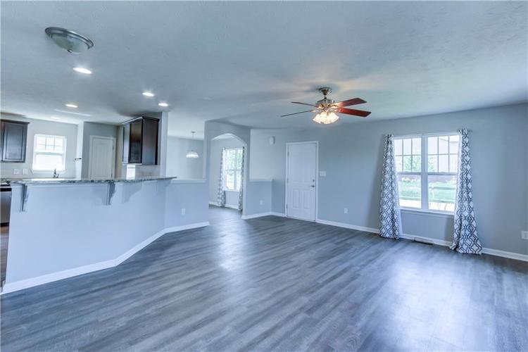 2047 Treving Drive Cicero, IN 46034 | MLS 21665931 | photo 10
