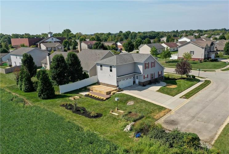 2047 Treving Drive Cicero, IN 46034 | MLS 21665931 | photo 4