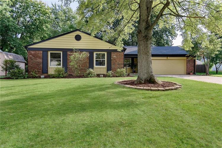 1815  Hillcrest Avenue Anderson, IN 46011 | MLS 21665953