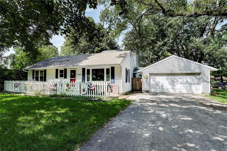 512 Sycamore St Westfield, IN 46074 | MLS 21665984 | photo 2