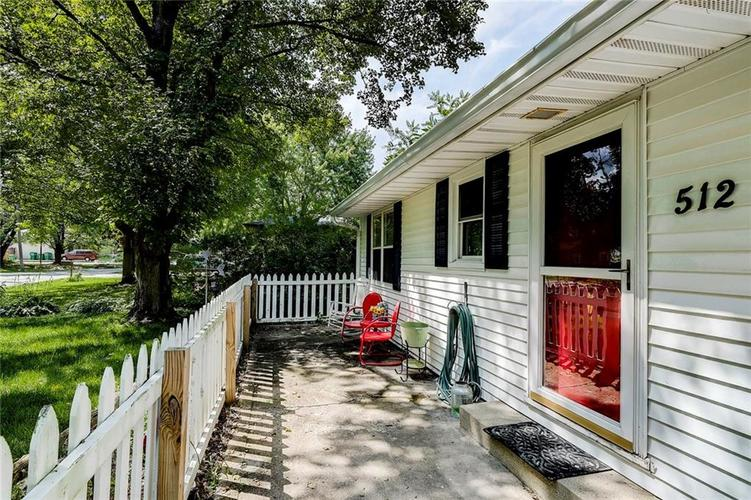 512 Sycamore St Westfield, IN 46074 | MLS 21665984 | photo 3
