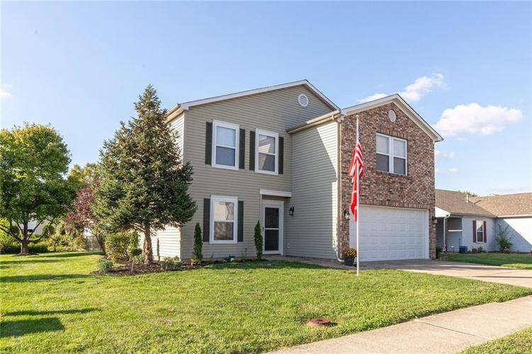 2318 Westmere Drive Plainfield, IN 46168 | MLS 21666065 | photo 2