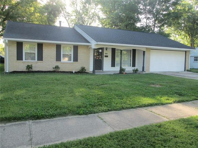 4131  Whitaker Drive Indianapolis, IN 46254 | MLS 21666076