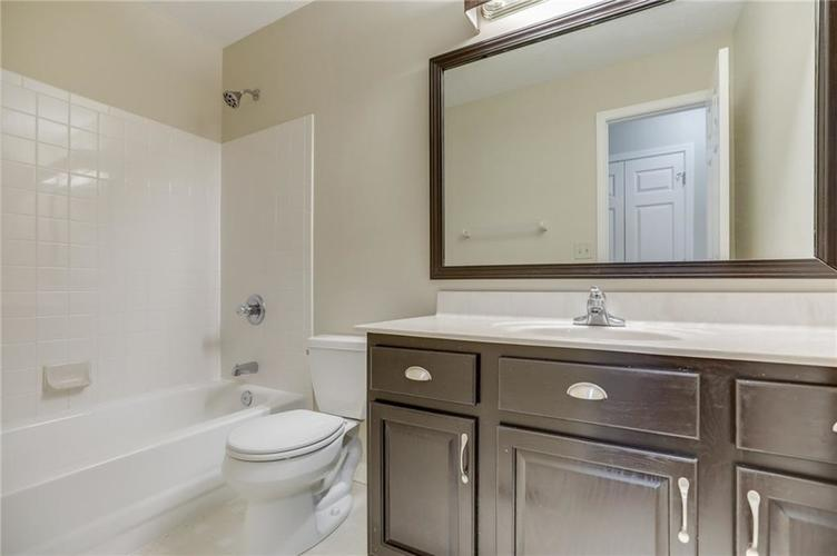107 Kingsview Drive Mooresville, IN 46158 | MLS 21666100 | photo 25