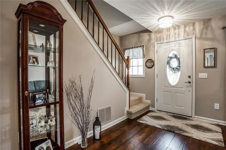 8346 Metzger Court Indianapolis, IN 46256 | MLS 21666156 | photo 5