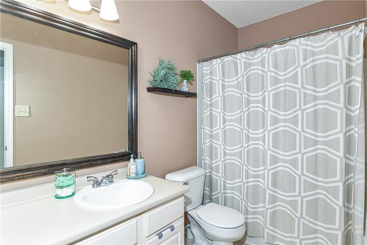 10334 CUMBERLAND POINTE Boulevard Noblesville, IN 46060 | MLS 21666206 | photo 23