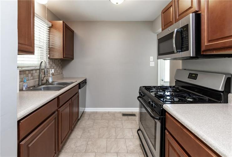 1819 E 66th Street Indianapolis, IN 46220 | MLS 21666292 | photo 10