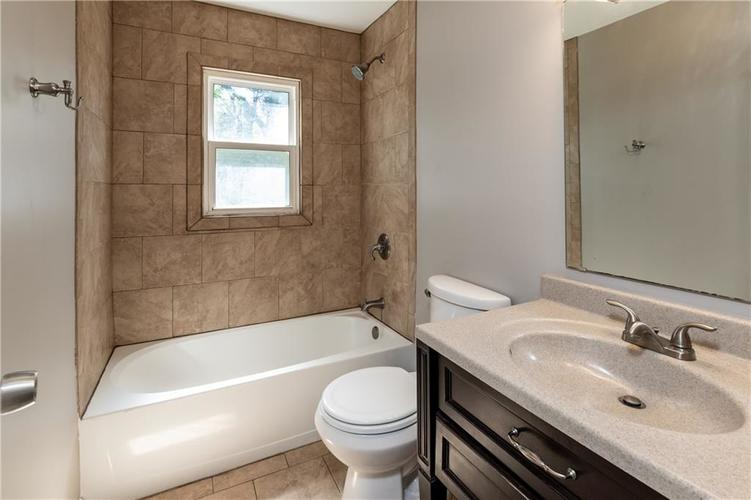 1819 E 66th Street Indianapolis, IN 46220 | MLS 21666292 | photo 15