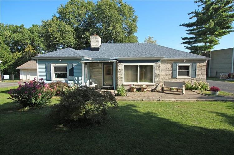 3220  CHAMBERLIN Drive Indianapolis, IN 46227 | MLS 21666327