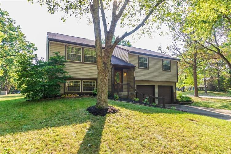 9313  THORNWOOD Drive Indianapolis, IN 46250 | MLS 21666338