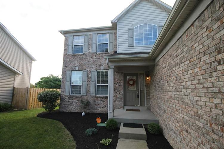 7835 Blue Jay Way Zionsville, IN 46077 | MLS 21666358 | photo 2