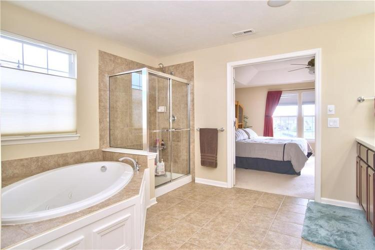 13071 Knights Way Fishers, IN 46037 | MLS 21666365 | photo 20