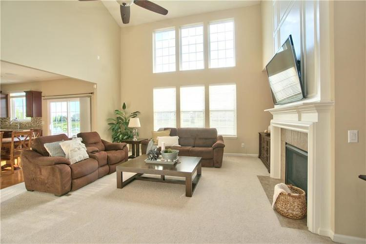 13071 Knights Way Fishers, IN 46037 | MLS 21666365 | photo 3