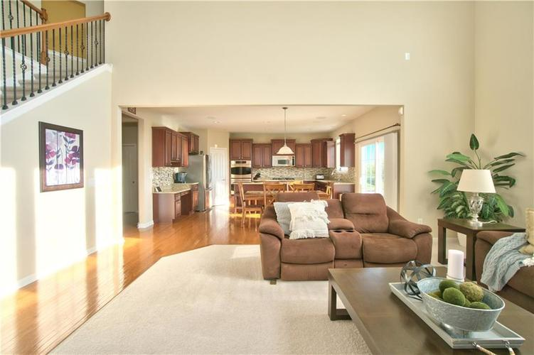 13071 Knights Way Fishers, IN 46037 | MLS 21666365 | photo 4