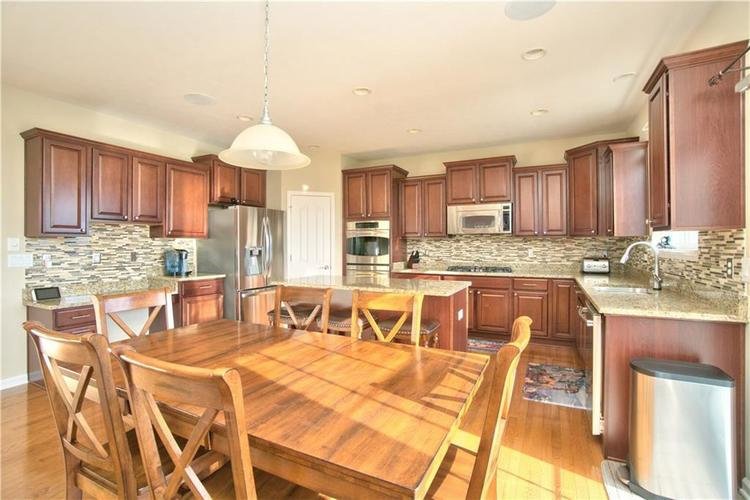 13071 Knights Way Fishers, IN 46037 | MLS 21666365 | photo 6