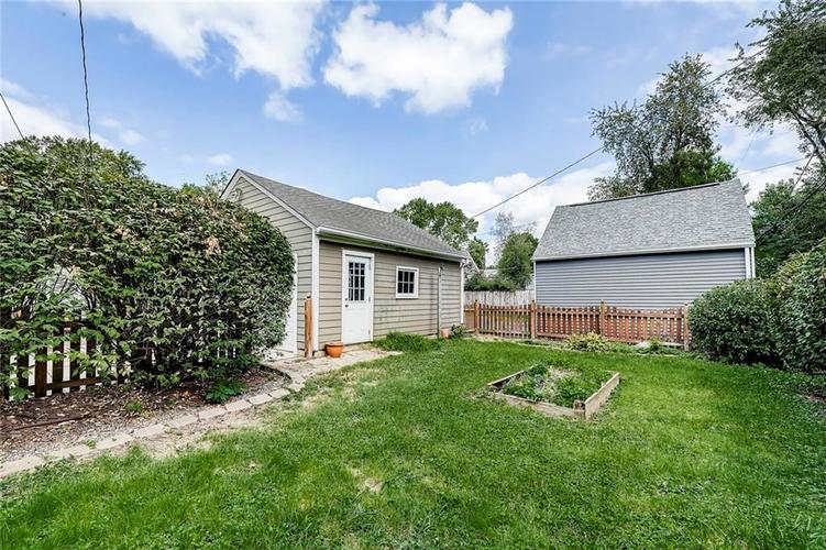 6103 Kingsley Drive Indianapolis, IN 46220 | MLS 21666384 | photo 17