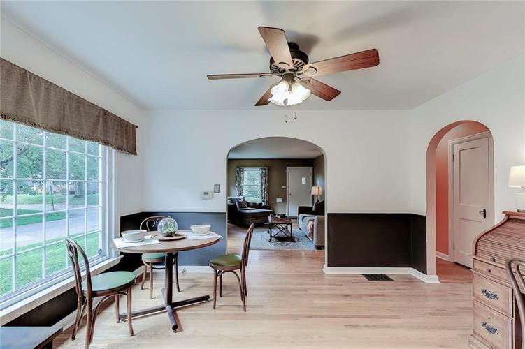 6103 Kingsley Drive Indianapolis, IN 46220 | MLS 21666384 | photo 5
