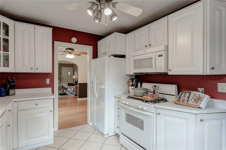 6103 Kingsley Drive Indianapolis, IN 46220 | MLS 21666384 | photo 7