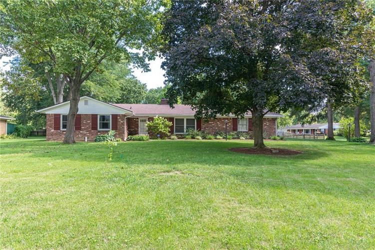 7945 N WHITTIER Place Indianapolis, IN 46250   MLS 21666398   photo 1