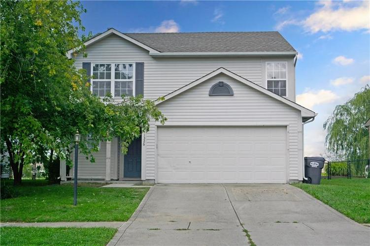 1326 Blue Grass Parkway Greenwood, IN 46143 | MLS 21666422 | photo 1