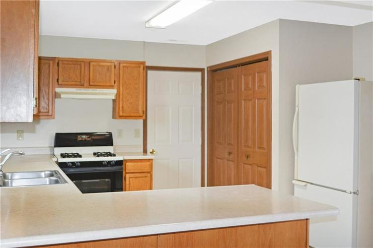 1326 Blue Grass Parkway Greenwood, IN 46143 | MLS 21666422 | photo 13