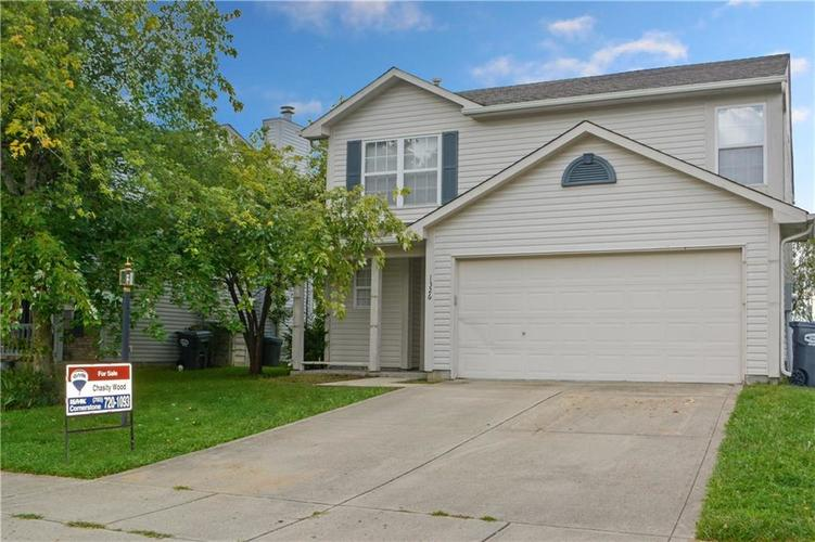 1326 Blue Grass Parkway Greenwood, IN 46143 | MLS 21666422 | photo 2