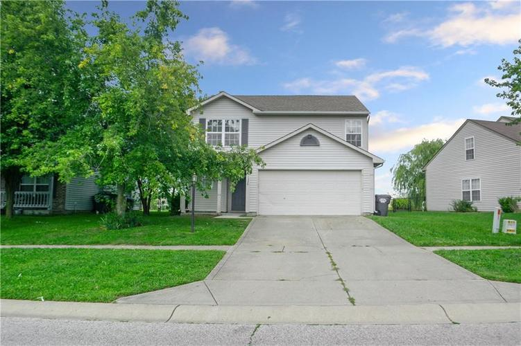 1326 Blue Grass Parkway Greenwood, IN 46143 | MLS 21666422 | photo 4