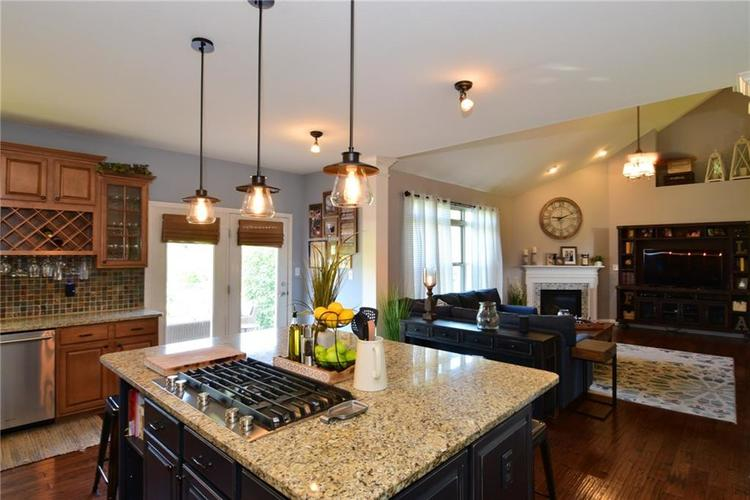 5708 Sunnyvalle Drive Bargersville, IN 46106 | MLS 21666445 | photo 11