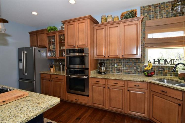 5708 Sunnyvalle Drive Bargersville, IN 46106 | MLS 21666445 | photo 14