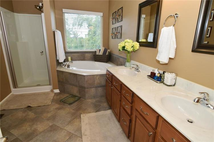5708 Sunnyvalle Drive Bargersville, IN 46106 | MLS 21666445 | photo 25