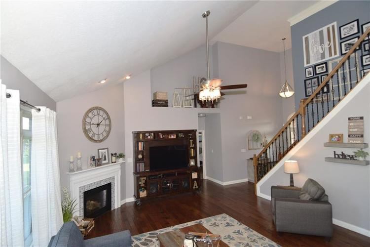 5708 Sunnyvalle Drive Bargersville, IN 46106 | MLS 21666445 | photo 6
