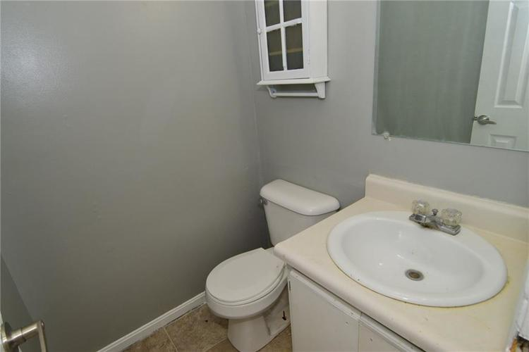 614 WOODS CROSSING Drive Indianapolis, IN 46239 | MLS 21666522 | photo 17