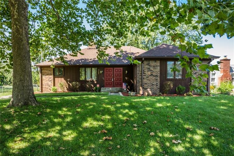 1106 N FRANKLIN Road Indianapolis IN 46219 | MLS 21666547 | photo 1