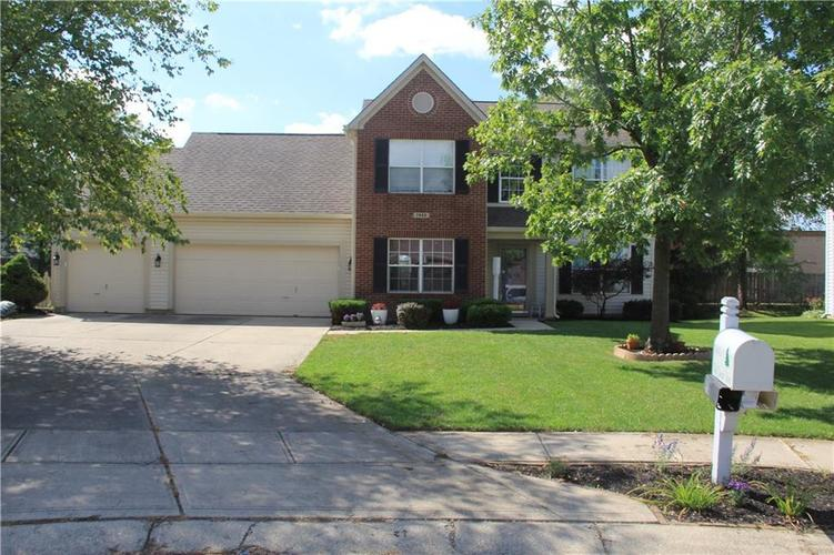 7945 RED SUNSET Way Avon, IN 46123 | MLS 21666552 | photo 1