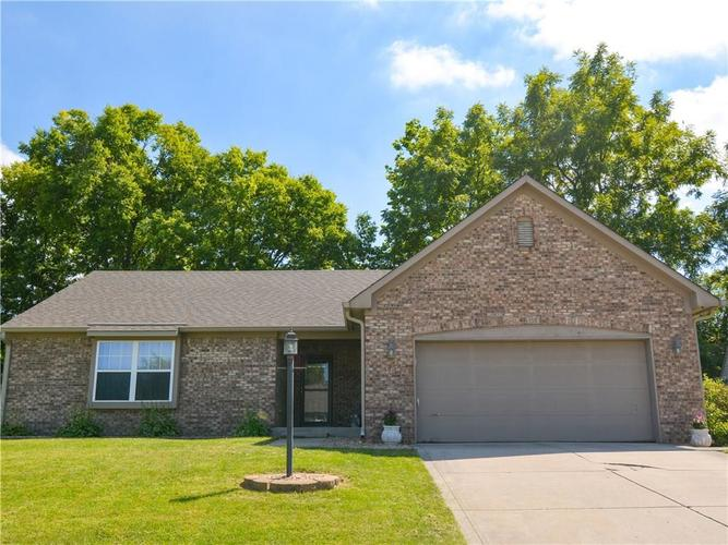 8464  SOUTHERN SPRNGS Drive Indianapolis, IN 46237 | MLS 21666561