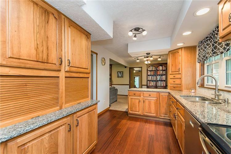 11 Park Forest South Drive Franklin, IN 46131 | MLS 21666572 | photo 11