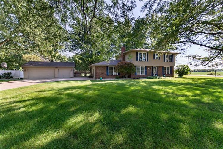 11 Park Forest South Drive Franklin, IN 46131 | MLS 21666572 | photo 2