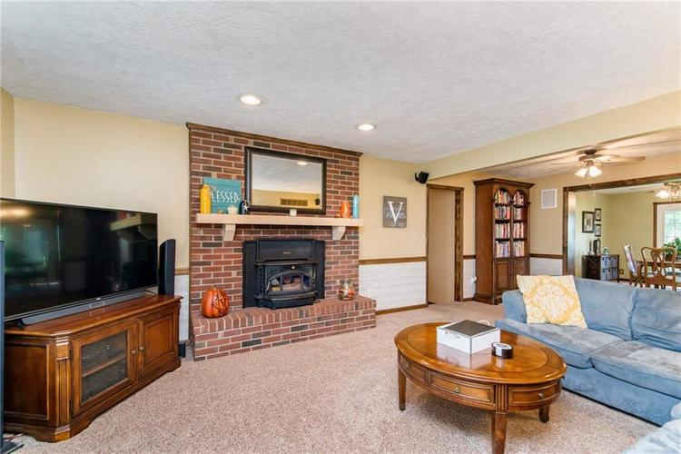 11 Park Forest South Drive Franklin, IN 46131 | MLS 21666572 | photo 21
