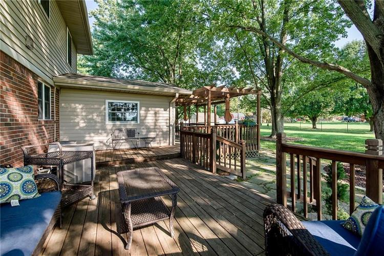 11 Park Forest South Drive Franklin, IN 46131 | MLS 21666572 | photo 37