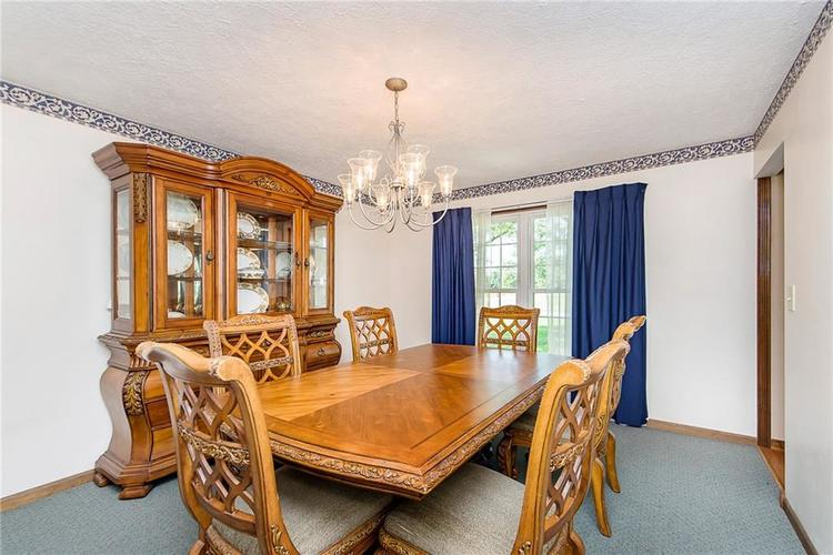 11 Park Forest South Drive Franklin, IN 46131 | MLS 21666572 | photo 6