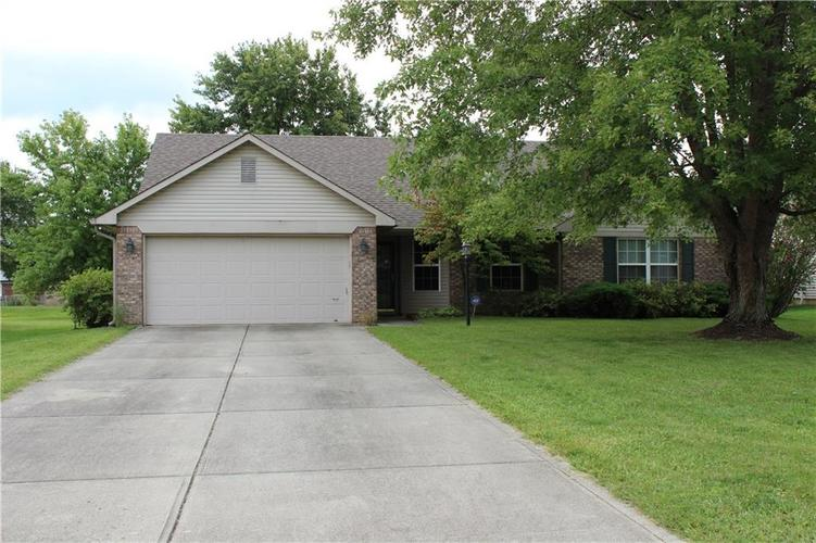 6259 Whitaker Farms Drive Indianapolis IN 46237 | MLS 21666579 | photo 1