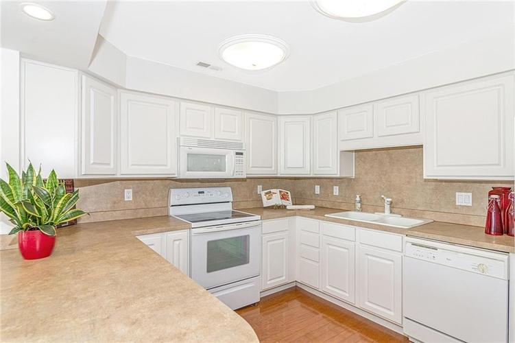 8650 Jaffa Court W #27 Indianapolis, IN 46260   MLS 21666634   photo 12